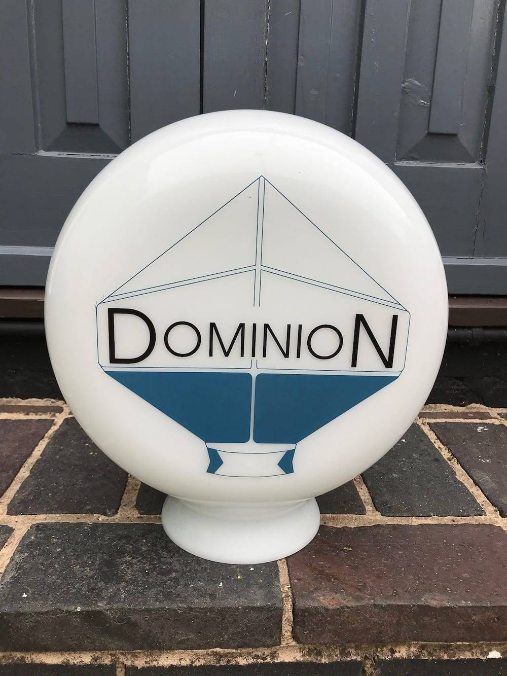 REPRODUCTION DOMINION GLASS PETROL PUMP GLOBE. - Vintage Motoring UK