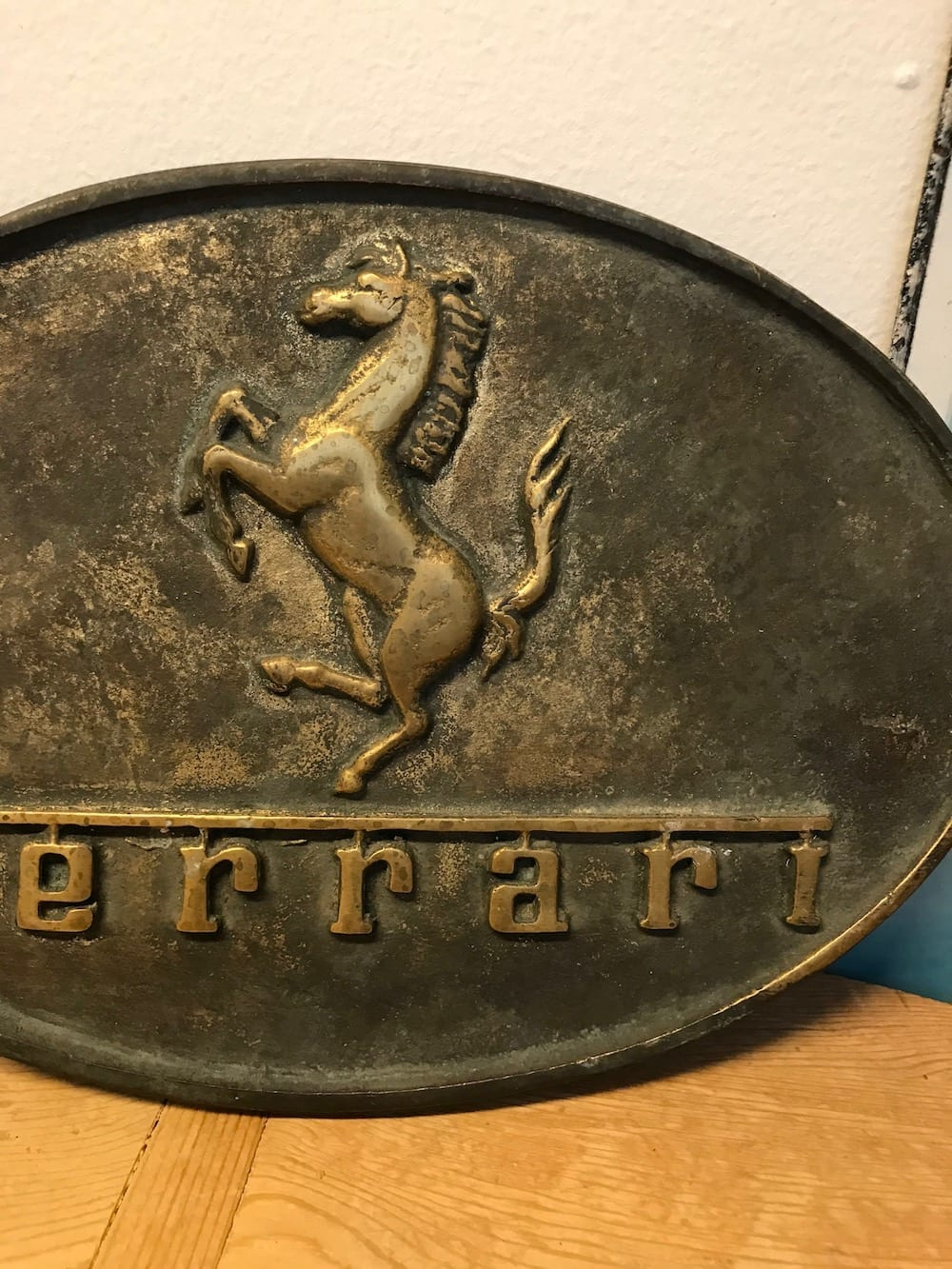 VINTAGE FERRARI BRASS PLAQUE. - Vintage Motoring UK