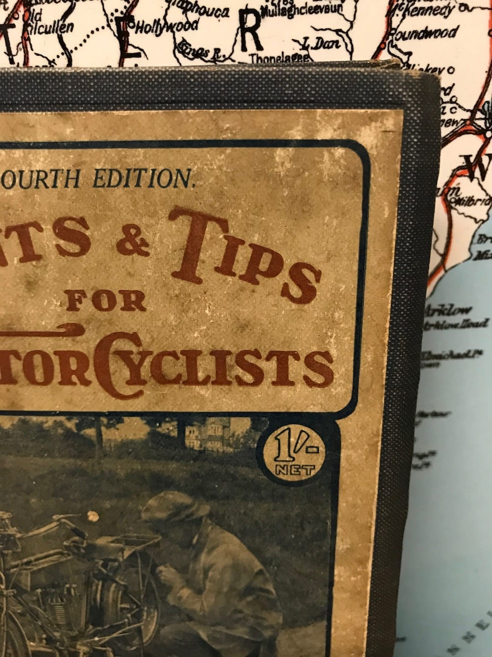 108 HINTS & TIPS FOR THE MOTOR CYCLISTS/ FOURTH EDITION. - Vintage Motoring UK
