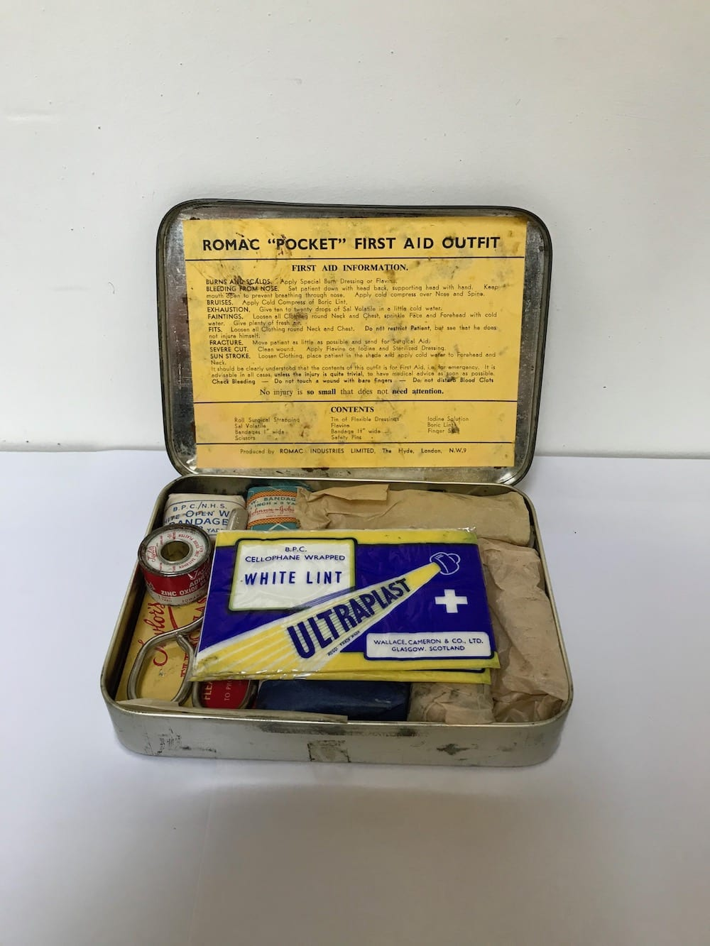 ROMAC FIRST AID TIN WITH CONTENT. - Vintage Motoring UK