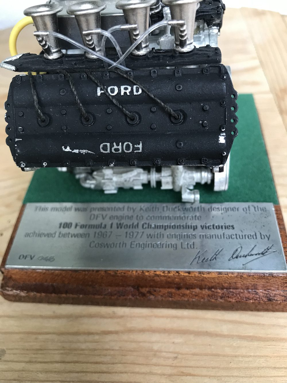 ORIGINAL KEITH DUCKWORTH- DESIGNER OF DFV FORD COSWORTH LTD EDTION SCALE MODEL OF THE FORD COSWORTH. - Vintage Motoring UK